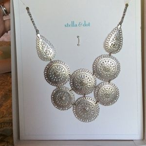 **Reduced**Stella & Dot Medina Bib Necklace